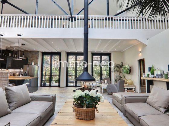 Vente villa 5 pièces 323 m2
