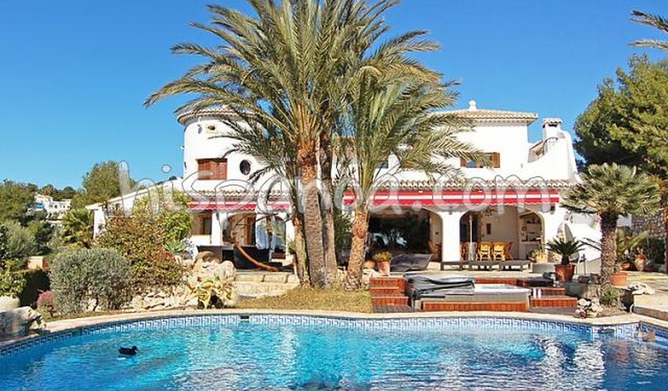 Villa with pool and terrace Moraira