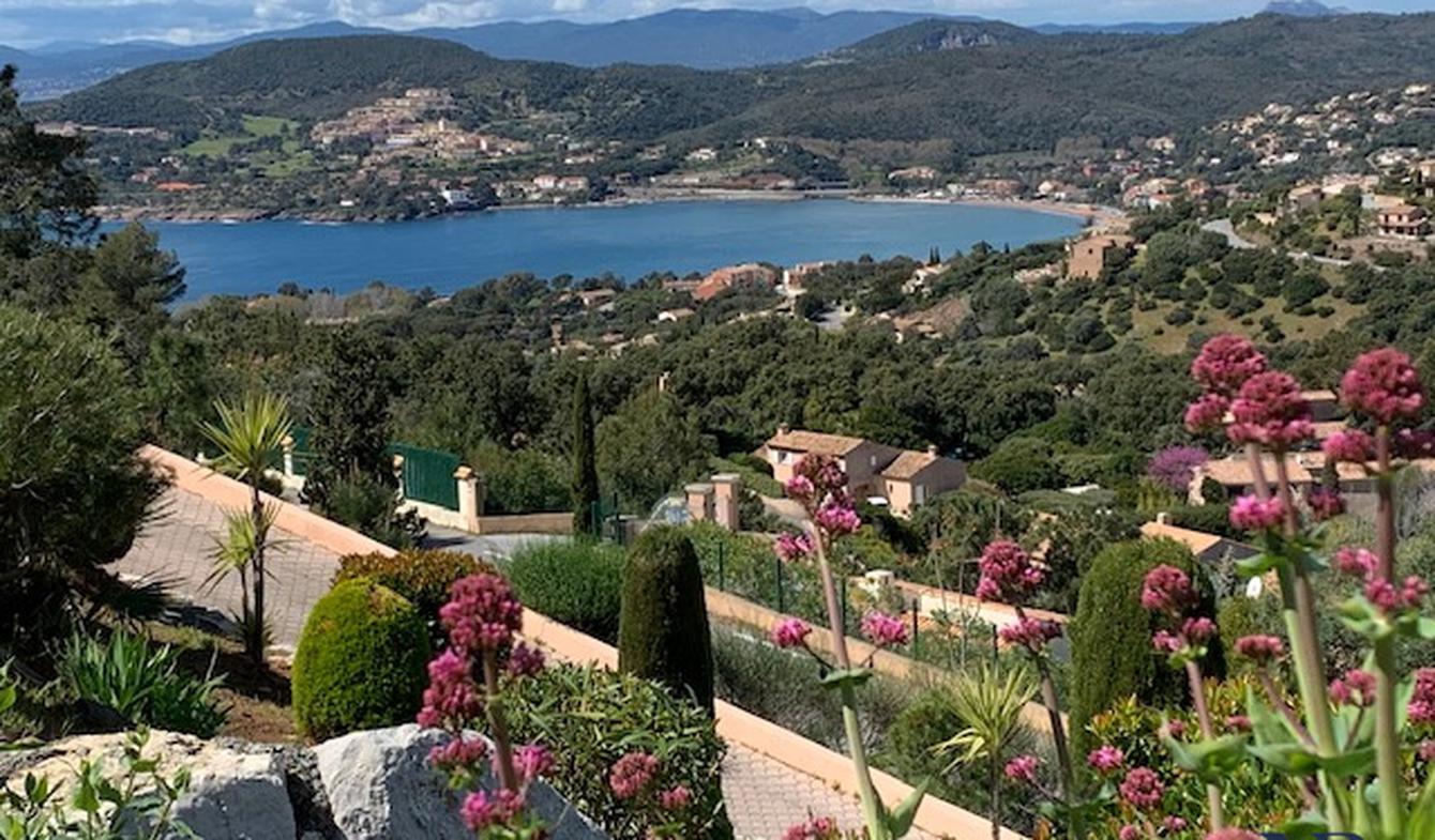 Villa with pool Agay