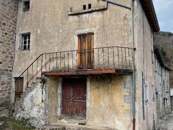 maison à Marcols-les-Eaux (07)