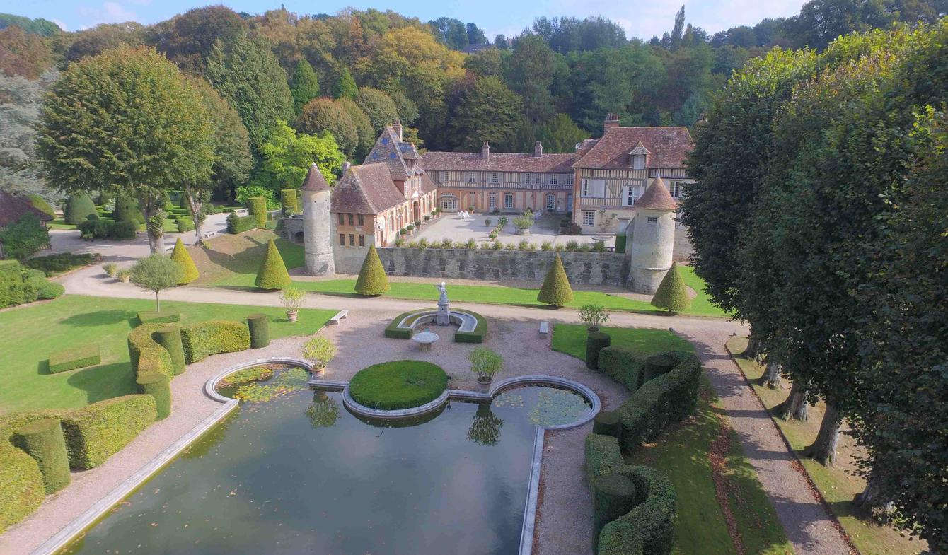 Pont L Eveque Castle For Sale 3 250 000