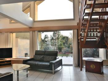 Maison meublée 5 pièces 151 m2
