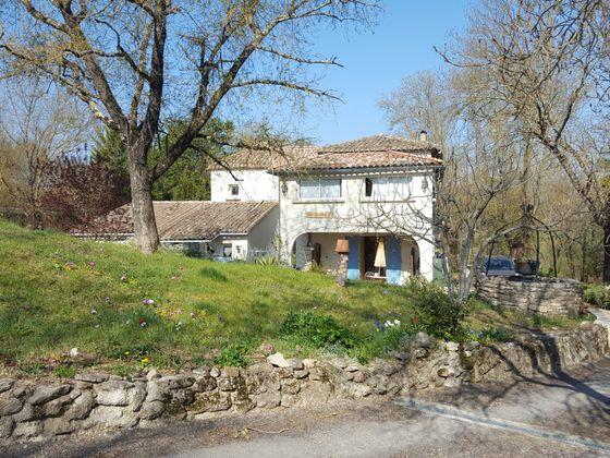Vente maison 12 pièces 323 m2