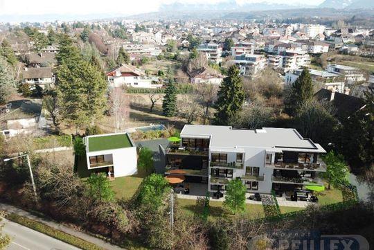 Atypique avec terrasse