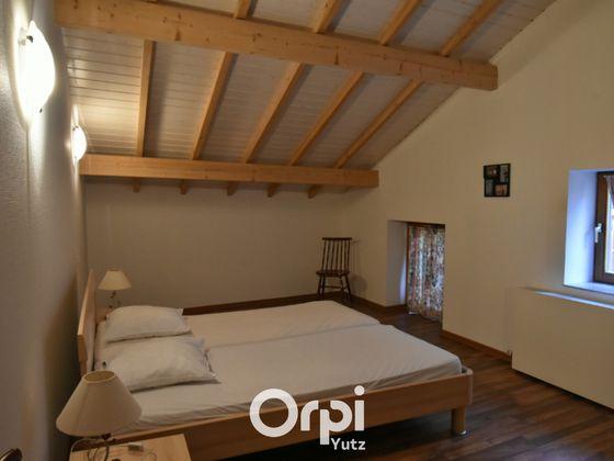 Location appartement meublé 3 pièces 84,78 m2