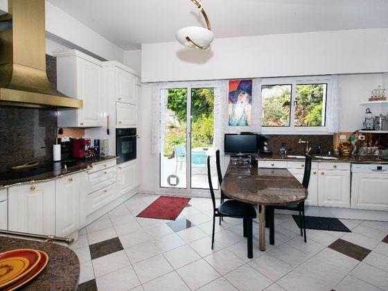 Vente maison 6 pièces 321 m2