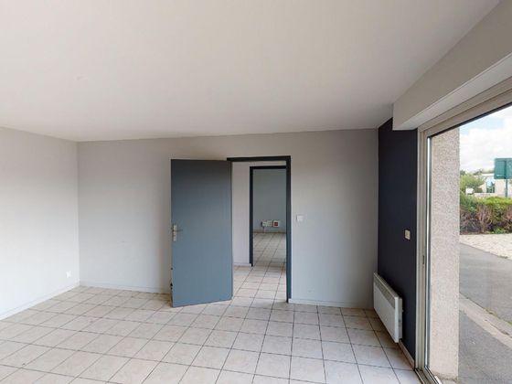 Location divers 3 pièces 90 m2