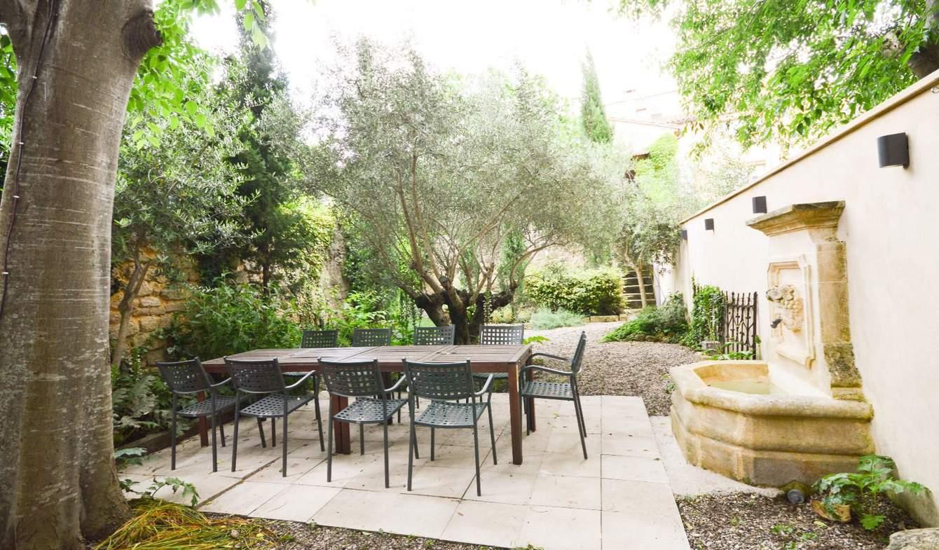Property with garden Uzès