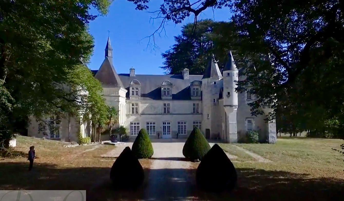 b2292a5db2 Tours Castle for Sale