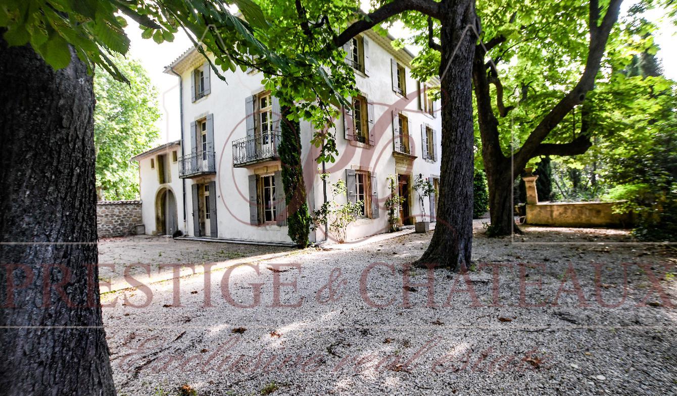 Hôtel particulier Sainte-Cécile-les-Vignes