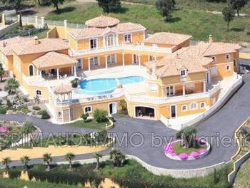 Villa 12 pièces 720 m2