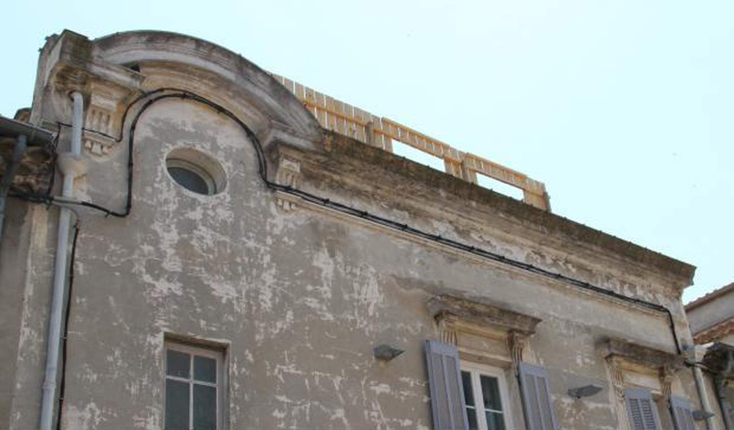 House with terrace Nimes
