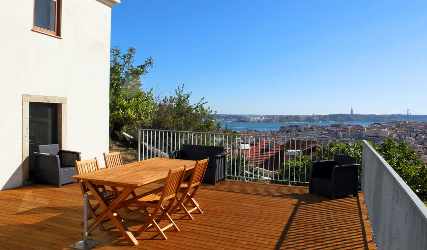 Apartment with terrace Lisbon