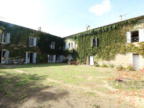 Vente propriété 18 pièces 800 m2