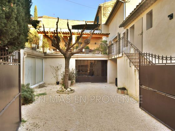 Vente villa 10 pièces 150 m2