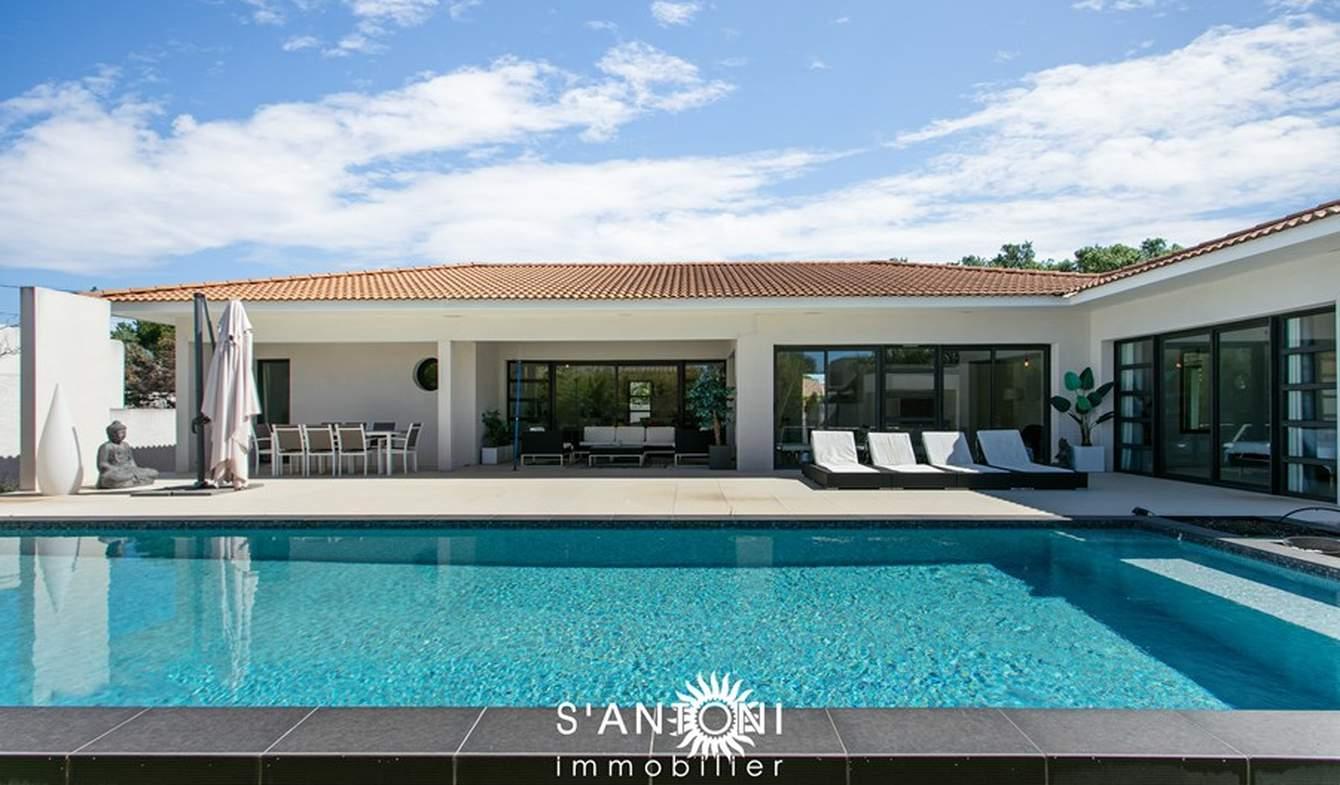 Villa avec piscine en bord de mer Grau d'Agde