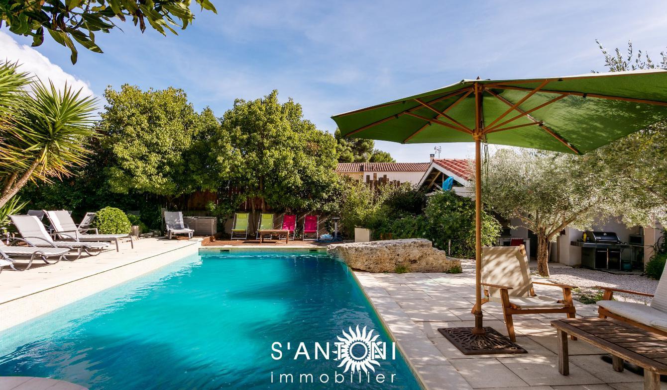 Maison avec piscine et terrasse Loupian