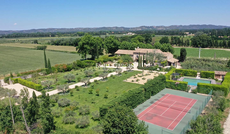Propriété avec piscine et jardin Maillane
