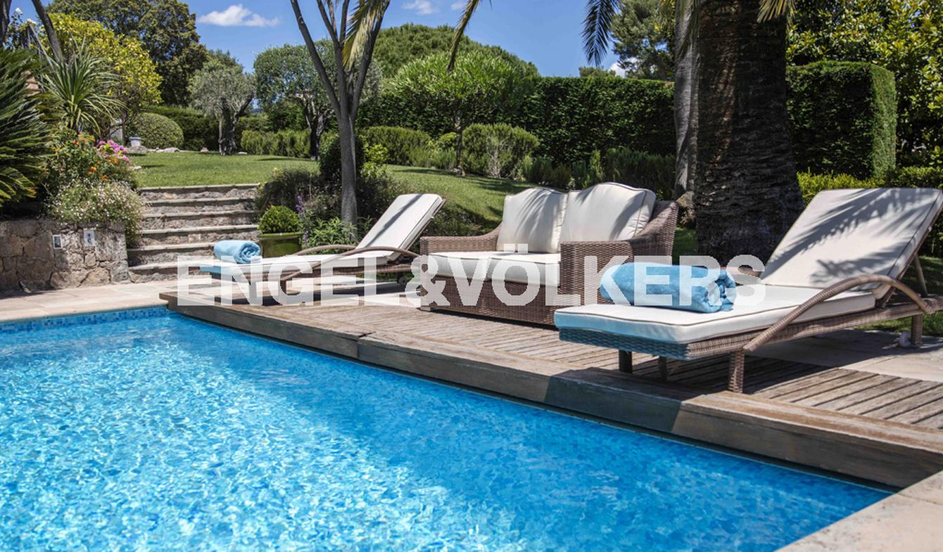 House with pool and garden Saint Paul de Vence