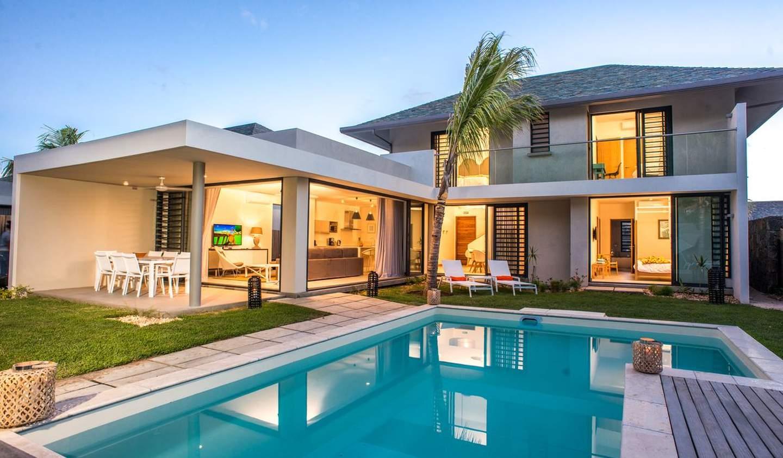 Villa with pool and garden Rivière Noire District