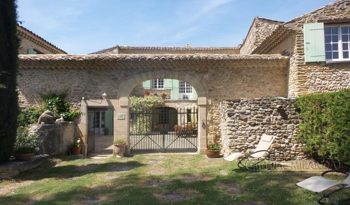 Maison avec piscine et terrasse Valreas