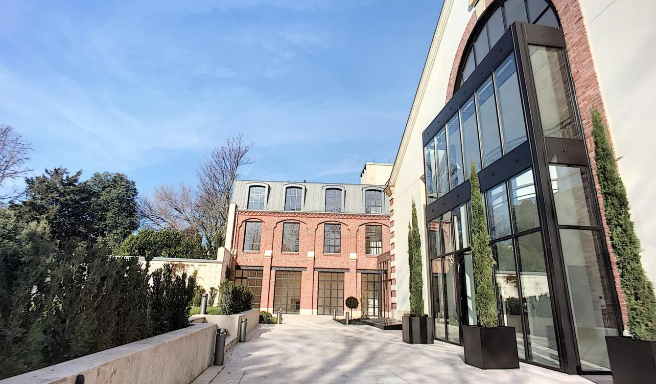 Private mansion with garden Paris 7th