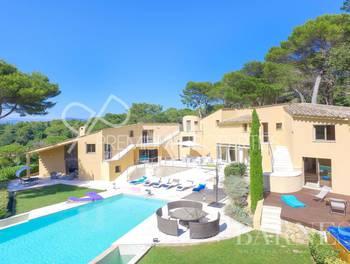 Villa 10 pièces 456 m2