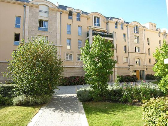 Location appartement 5 pièces 105,6 m2