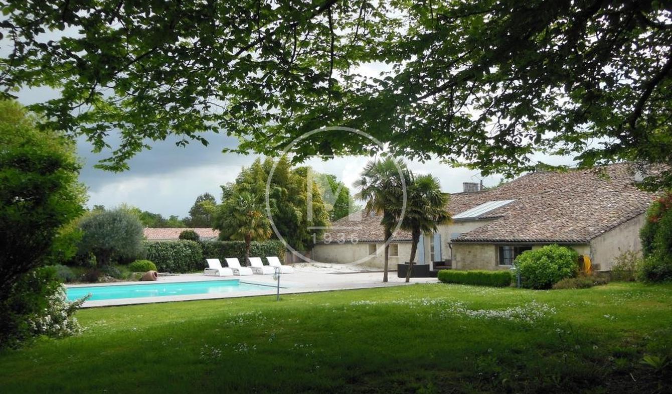 Maison avec piscine Corme-Royal