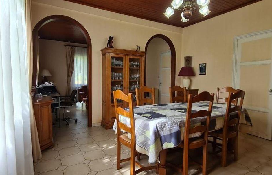 Vente ferme 6 pièces 236 m² à Moissac (82200), 288 000 €