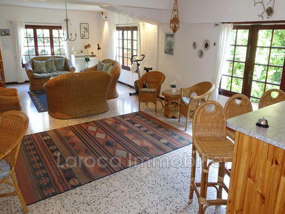 Vente villa 4 pièces 180 m2