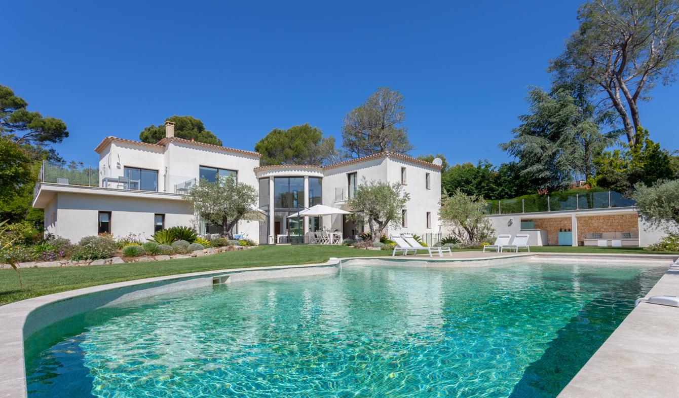 Villa with pool and garden Biot