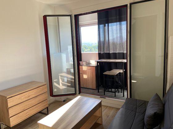 Location studio meublé 15,06 m2