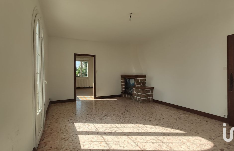 Vente maison 6 pièces 137 m² à Val-d'Izé (35450), 208 000 €