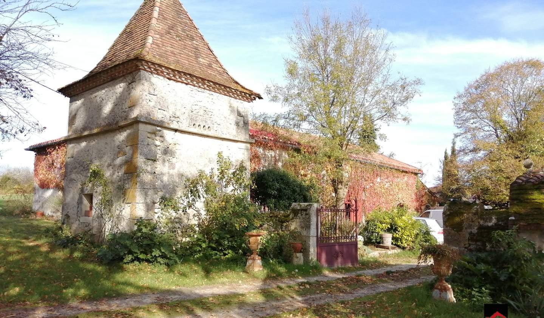 Maison avec piscine Nanteuil-Auriac-de-Bourzac