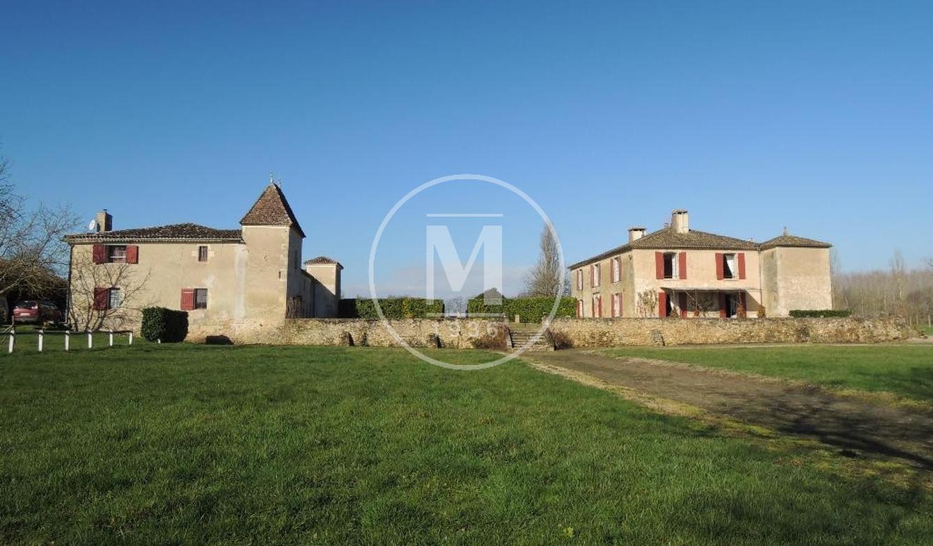 Property with pool Langon