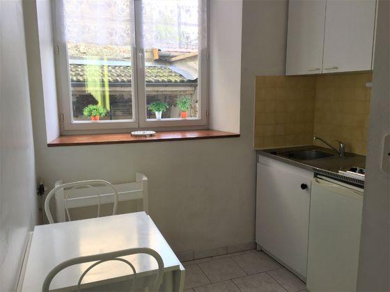 Location appartement meublé 2 pièces 22 m2