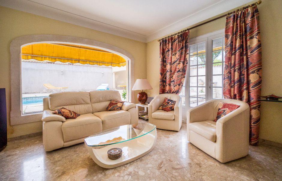 Vente maison 5 pièces 121 m² à Saint-Gilles (30800), 299 000 €
