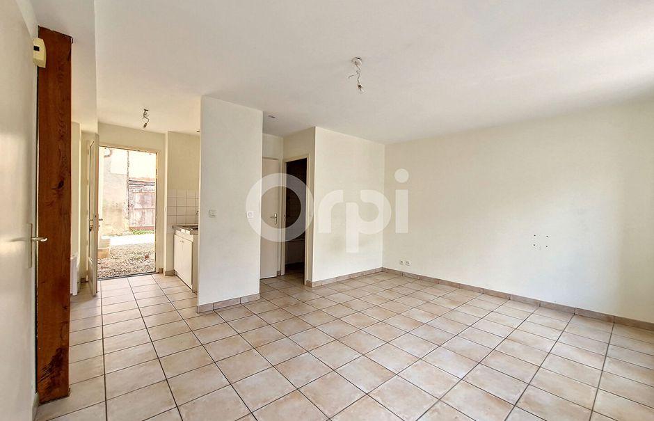 Location  studio 1 pièce 27.15 m² à Bellegarde (45270), 325 €