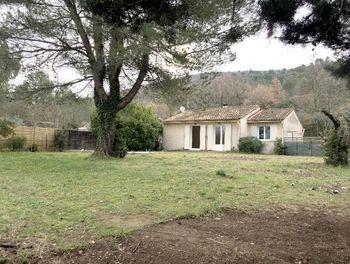 villa à Alleins (13)