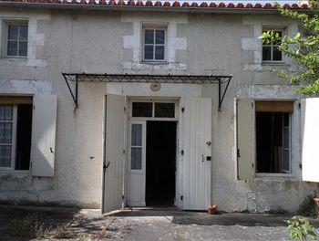 maison à Genac (16)