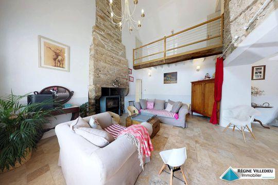 acheter demeure de caract re au mont st michel 50. Black Bedroom Furniture Sets. Home Design Ideas