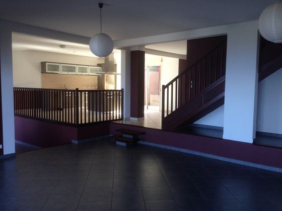 Location maison 6 pièces 205 m2