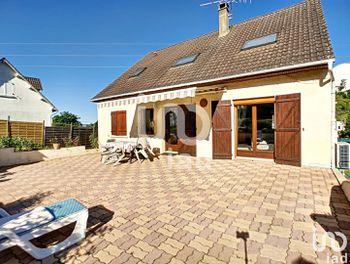 maison à Saint-Martin-du-Tertre (89)