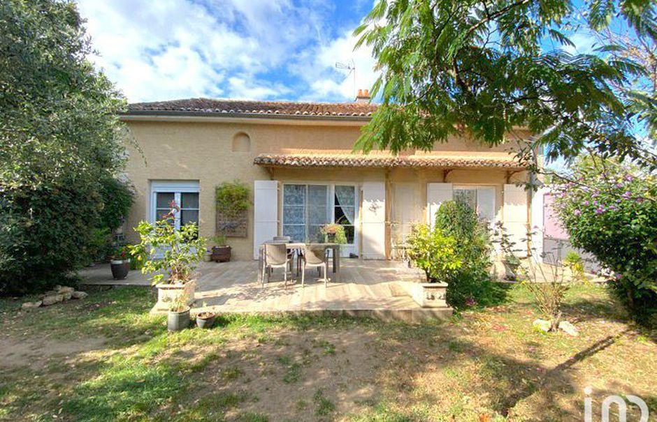 Vente maison 5 pièces 150 m² à Lussac-les-Châteaux (86320), 155 000 €
