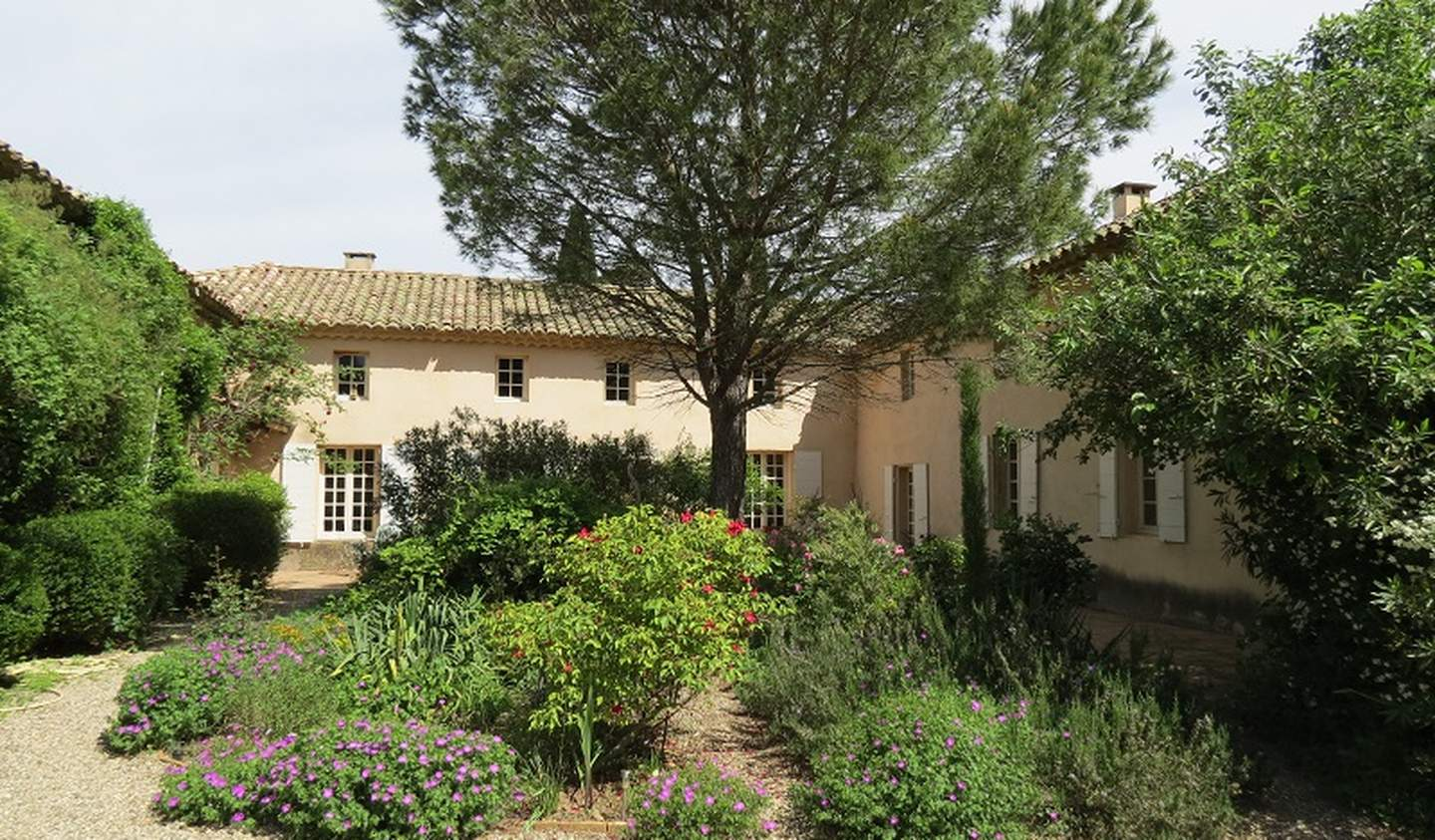 Property with pool and garden Gard