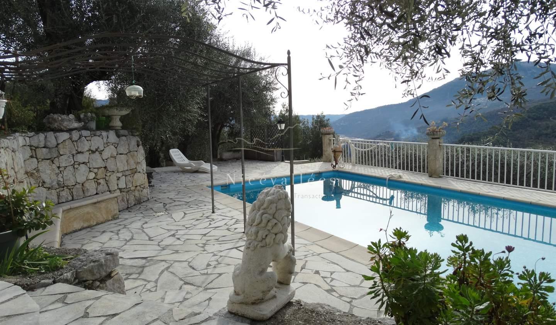Maison avec piscine et terrasse Gilette