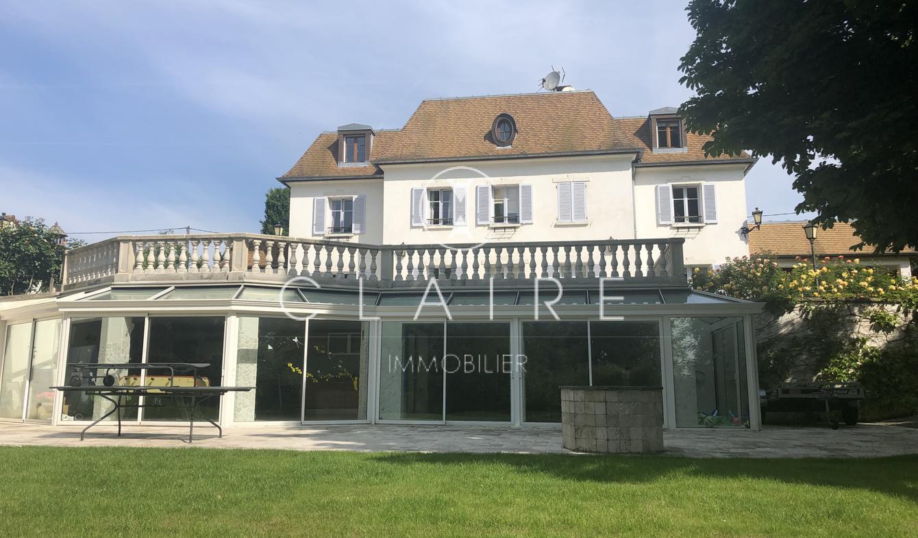 Maison avec piscine et terrasse Le Mée-sur-Seine