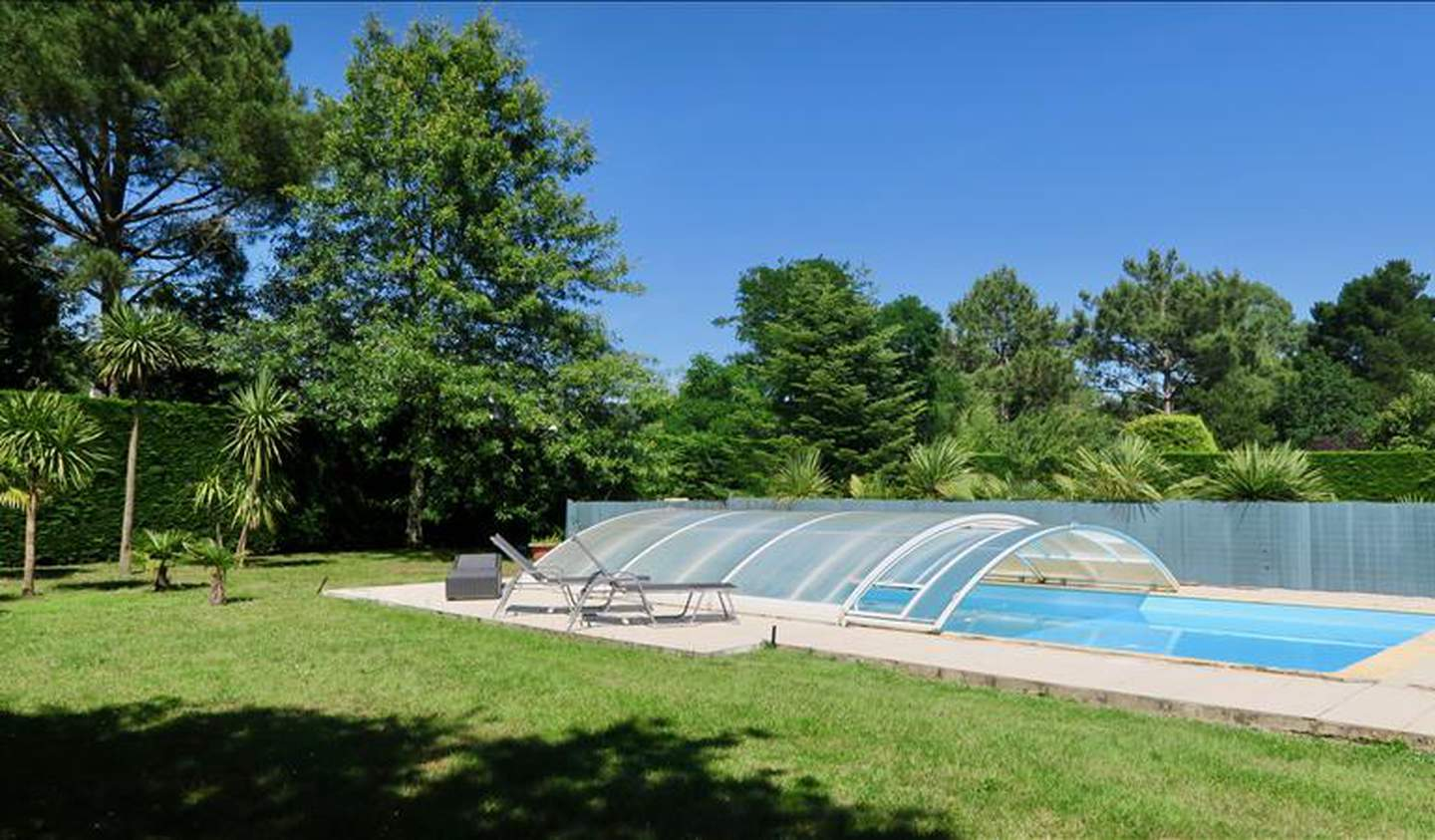 House with pool and terrace Guerande