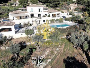 maison à Ollioules (83)